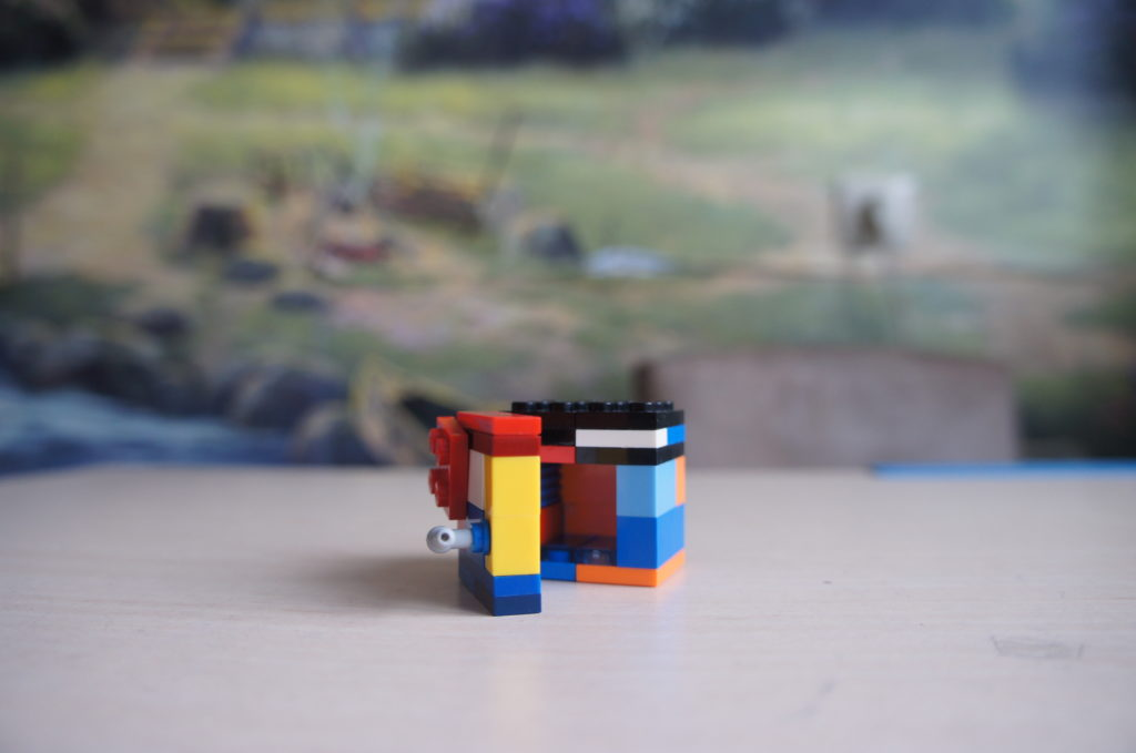 Лего-самоделка: сейф из Лего открытый