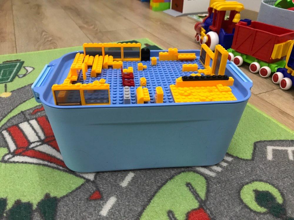 Контейнер для минифигурок Лего